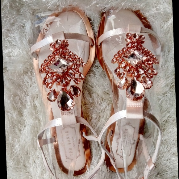 40701c034 Ted Baker Tie the Knot Roseupe Jewelled Sandals. M 5b12ebb8819e90b5752901d3